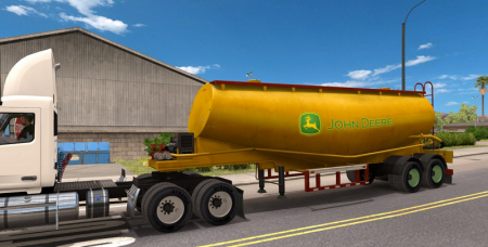 John Deere fertilizer tanker